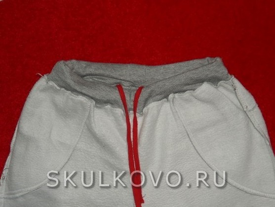 Женские спортивные штаны, утепленные.